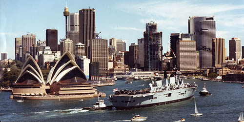Ark Royal arriving in Sydney 1988